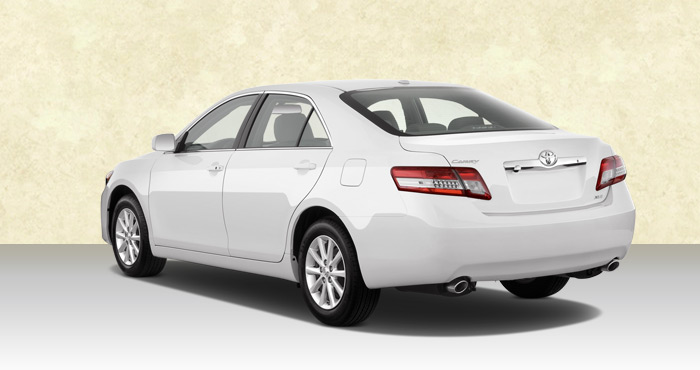 Hire Toyota Camry 4+1 Seater car from India Car Rental